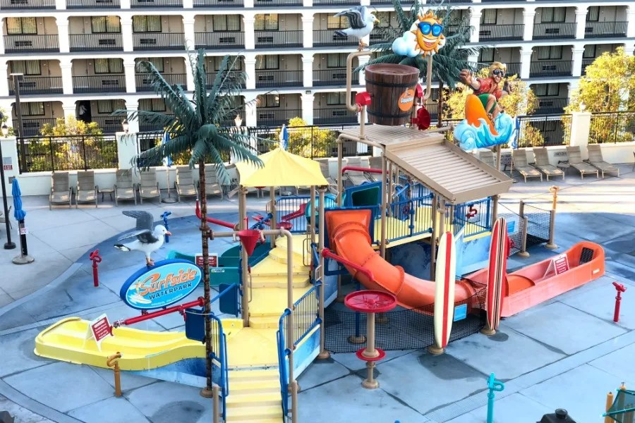 Hotels within Walking Distance of Disneyland - Courtyard Marriott Surfside Waterpark