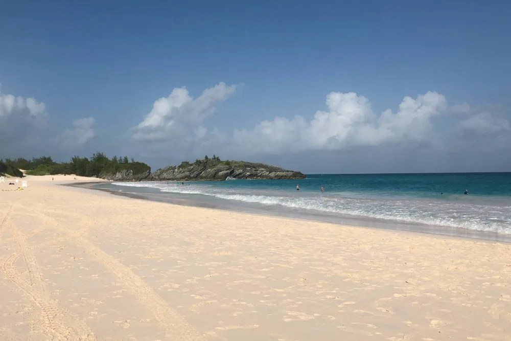 First Timers Guide to Bermuda - Horseshoe Bay Beach
