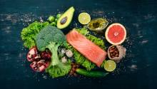 Paleo diet while breastfeeding: pros and cons. #ketodiet #paleodiet #breastfeeding