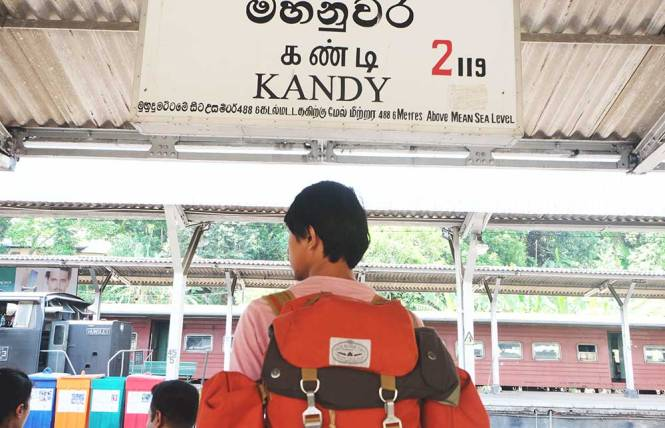 poler-stuff-at-kandy-station