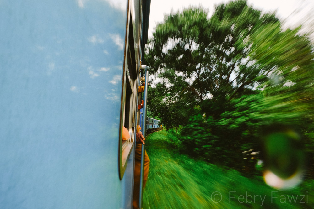 train-ride-in-sri-lanka-by-febry-fawzi-4