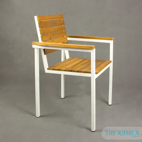 Iron-chair-paneled-wooden-bars-with-armrests (2)