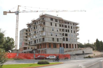 Agonija na tržištu nekretnina-20 tisuća novih stanova čeka kupce