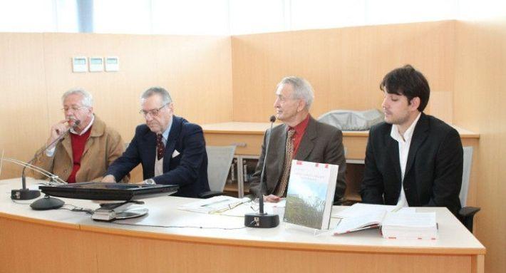 Predstavljači monografije: prof. Marko Menđušić, prof.dr. Ante Mladen Friganović, dr. Ante Kljaić i glumac Jakov Bilić