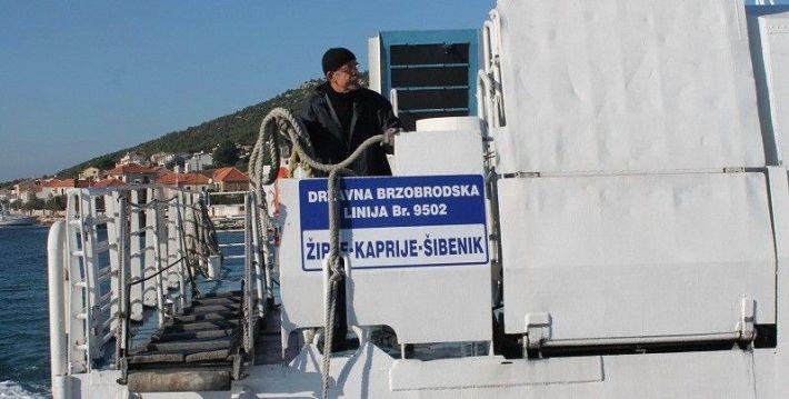 Broč - brza brodska linija Šibenik - Kaprije - Žirje