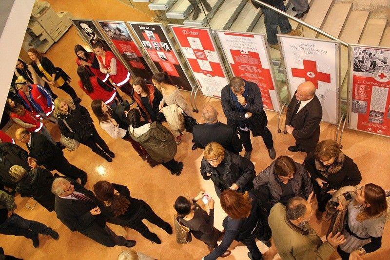 'Svi su ljudi braća' – izložba o 135 godina Crvenog križa u Hrvatskoj