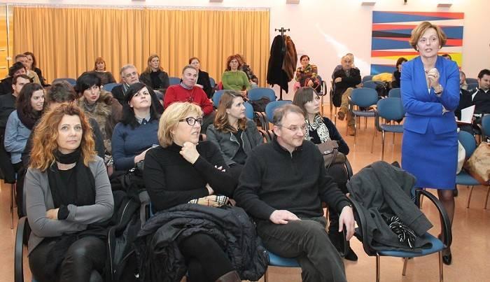 Ankica Mamić na predavanju u Gradskoj knjižnici u Šibeniku (Foto Hrvoslav Pavić) (6)