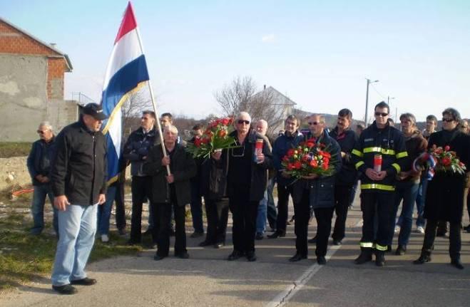 Prilikom odavanja počastima poginulima u Dragišićima 2014. godine (Foto: Hrvoslav Pavić)