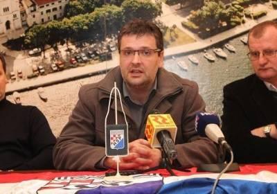 Novi predsjednik HSP-a Josip Matković poziva sve pravaše na zajednički izlazak na europarlamentarne izbore