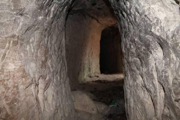 Jedan od tunela u rudniku bjeljuge ispod Velića (Foto: Hrvoslav Pavić)