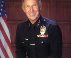 Daryl Gates (Wikipedia)