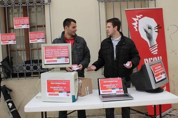 Forum mladih SDP-a - Luka Nikpalj - Akcija prikupljanja računala (2)