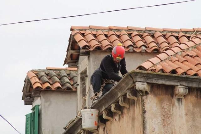 HGSS uređuje pročelja u gradskoj jeszgri Šibenika (Foto H. Pavić) (2)