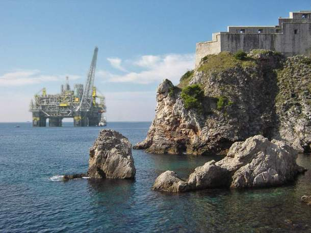 Dubrovnik i bušotine - foto montaža Zelena akcija