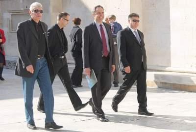 Davor Domazet Lošo, Danijel Srb i Marko Lukić stižu na misu šibenskoj katedrali sv. Jalova (Foto H. Pavić)