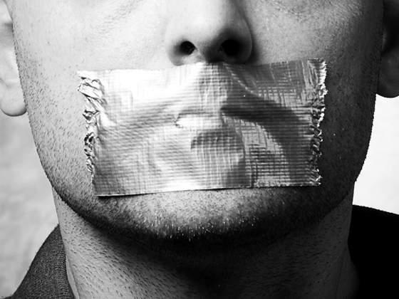 Izmjenom zakona protiv cenzure – ministri, suci i novinari za HND-ovim okruglim stolom