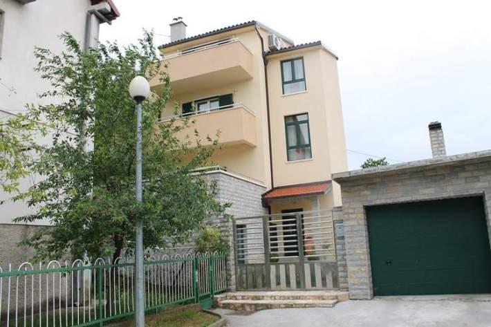 Rezidencija kninske gradonačelnice Josipe Rimac (4)