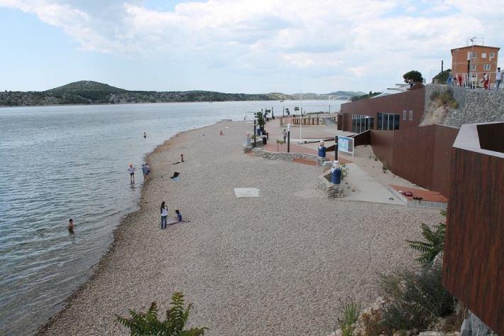 Plaža Banj 2. lipnja 2014. (Foto H. Pavić) (12)
