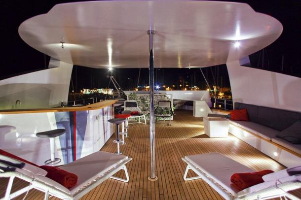 joyme sun deck by night
