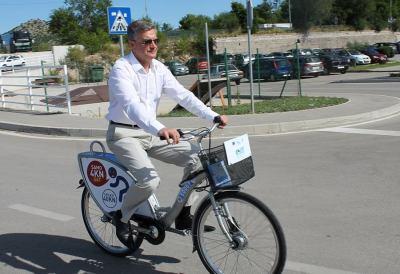 Prvi sustav javnih bicikala na obali: Šibenčani zbog uzbrdica dobili bicikle s osam brzina