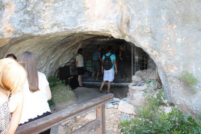 Oziđana pećina (Foto H. Pavić) (3)