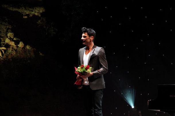 Maksim je dobio cvijeće (foto www.ohrid1.com)