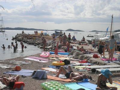 Turizam u prevrtljivim brojkama i izjavama političara