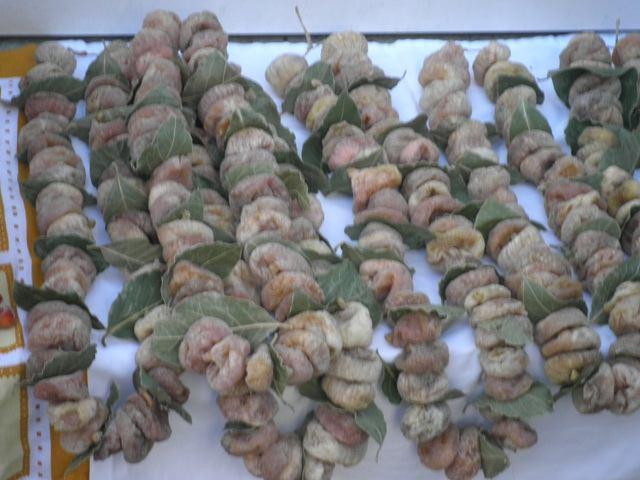 Dobra zarada- kilogram suhih smokava otkupljuje se po 17 kuna. Ajmo svi u branje!