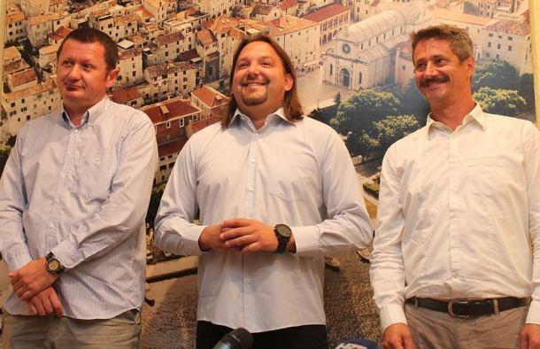 Robert Bobinac, Tonči Restović i Danijel Katičin na konferenciji za novinare (Foto H. Pavić) (2)