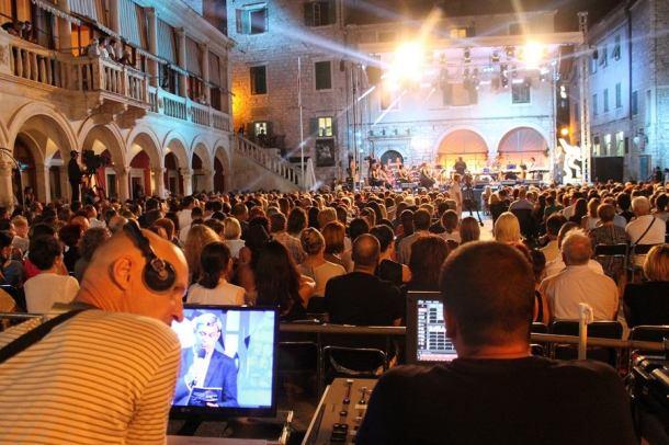 Večeri dalmatinske šansone u Šibeniku (Foto H. Pavić) (8)