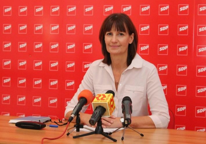 Dr.sc. Marija Alfirev, potpredsjednica GO SDP Vodice i vijećnica u Gradskom vijeću Grada Vodica (Foto H. Pavić) (1)