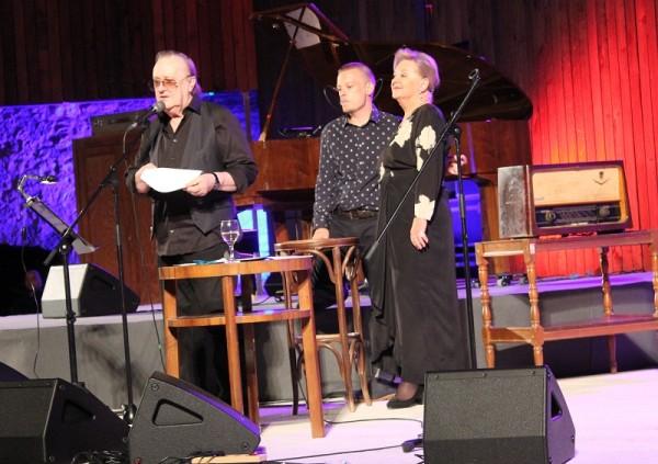 Gabi, Arsen i Matija na sv. Mihovilu (Foto Hrvoslav Pavić)