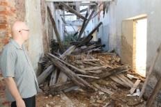 Već su urušeni i krov i drveni podovi svih etaža