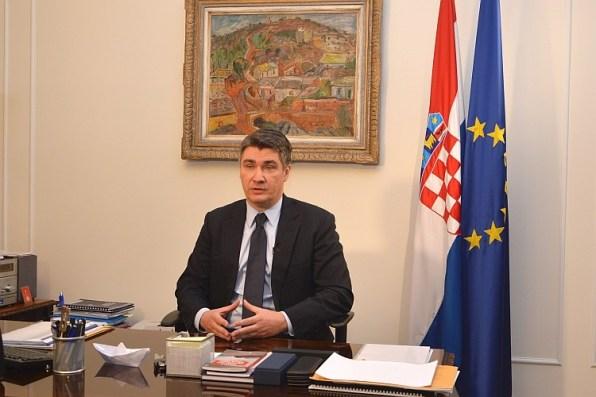 Premijer Zoran Milanović u nastupu za HRT (Foto: Vlada RH)