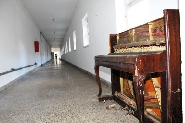 Strmica - Osnovna škola još uvijek je izbjegličko naselje (Foto H. Pavić) (5)