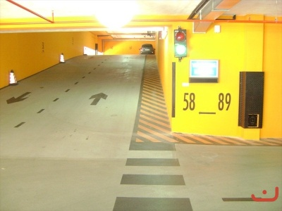 Garaže (foto: www.svecenickidom.ba)