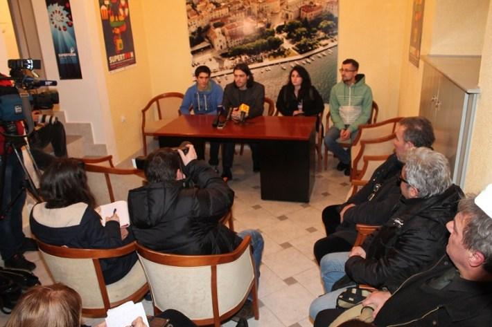 Živi zid - konferencija za novinare u Šibeniku (Foto H. Pavić) (7)