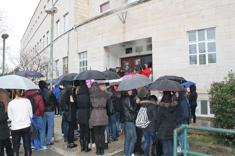 Ekonomska škola: Učenici prosvjedovali, Školski odbor na strani ravnateljice, prosvjetna inspekcija u školi…