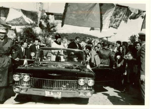 Razdragani narod dočekuje Tita i Jovanku na Rudini dr. Franje Tuđmana