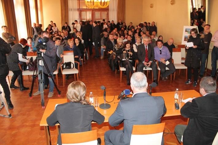 Javna rasprava o 'bušenju Jadrana' (Foto H. Pavić) (7)