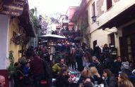 Mladi Grci po ciele dane piju kavu, kao i u nekim drugim državama