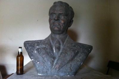 Bista Josipa Broza Tita na Njuškalu vrijedi od 3000 do 30.000 kuna