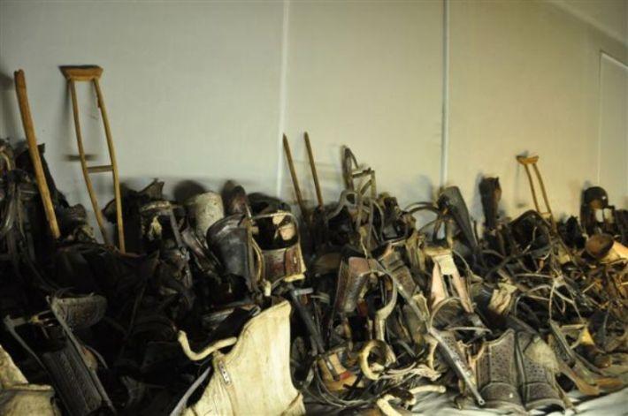 Od logoraša su se oduzimale štake, proteze...