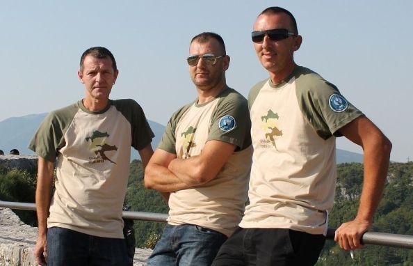 Edvard Baltić, Jasmin Hadžić i Mario Bilać na kninskoj tvrđavi 5. kolovoza  2013.  (Foto H. Pavić)