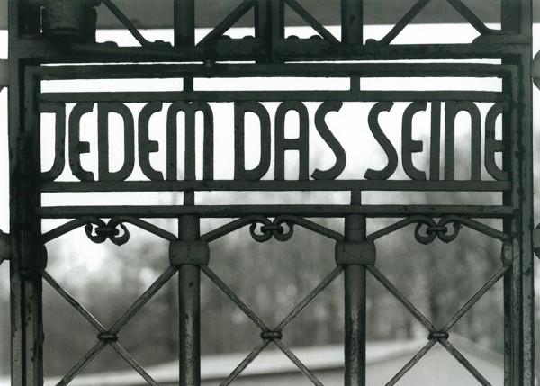 Natpis na ulazu u logor Buchenwald - Svakome njegovo (Foto: United States Holokaust Memorial Museum)