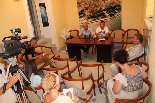 Konferencija za novinare načelnika i predsjednika Općinskog vijeća Bilica (Foto: H. Pavić)