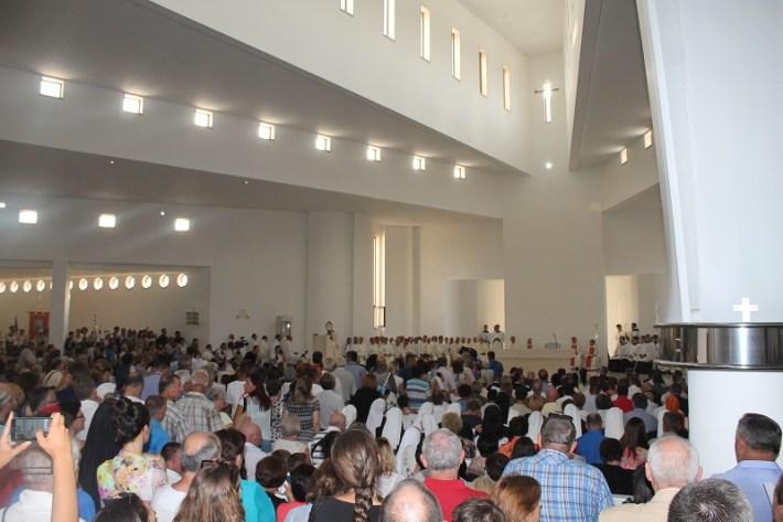 Posveta crkve Gospe Velikog Hrvatskog Krsnog Zavjeta (Foto H. Pavić) (20)