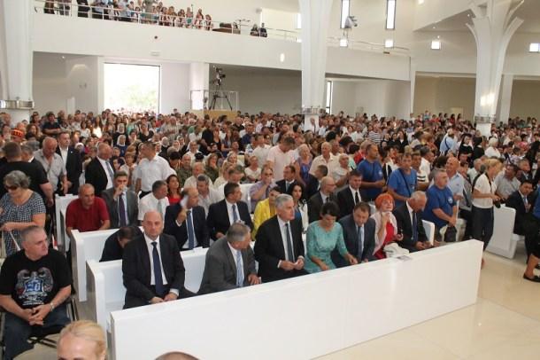 Posveta crkve Gospe Velikog Hrvatskog Krsnog Zavjeta (Foto H. Pavić) (24)