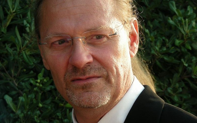 Tedi Spalato među zelenim raslinjem - foto Wikipedia