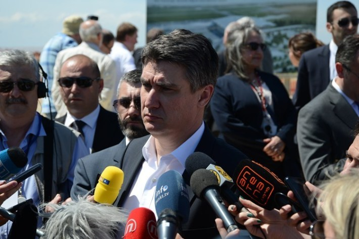 Premijer Milanović o čepovima - foto www.vlada.gov.rh.